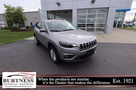 Pre-Owned 2019 Jeep Cherokee Latitude 4WD SUV